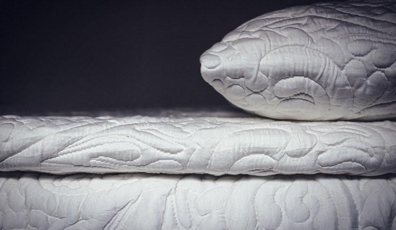 posh and lavish 2 inch pillow topper