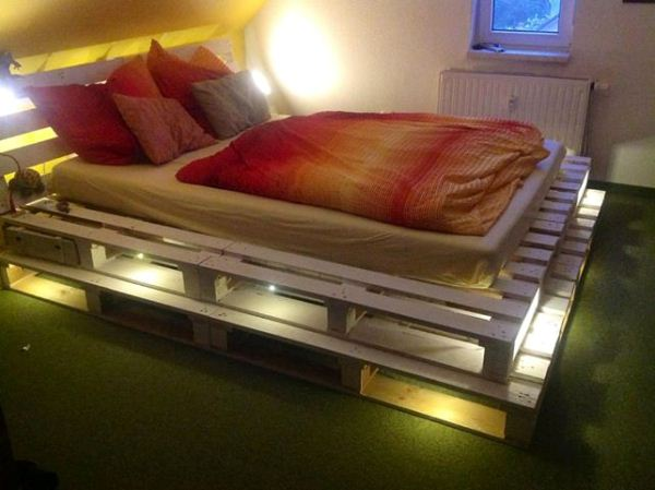 Glowing-pallet-bed